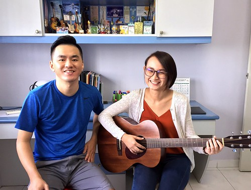 1 to 1 guitar lessons Singapore Lysandra