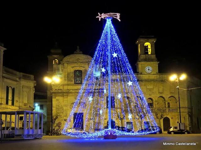 albero di natale in piazza