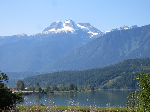 blue sky canada bc columbia clear british revelstoke
