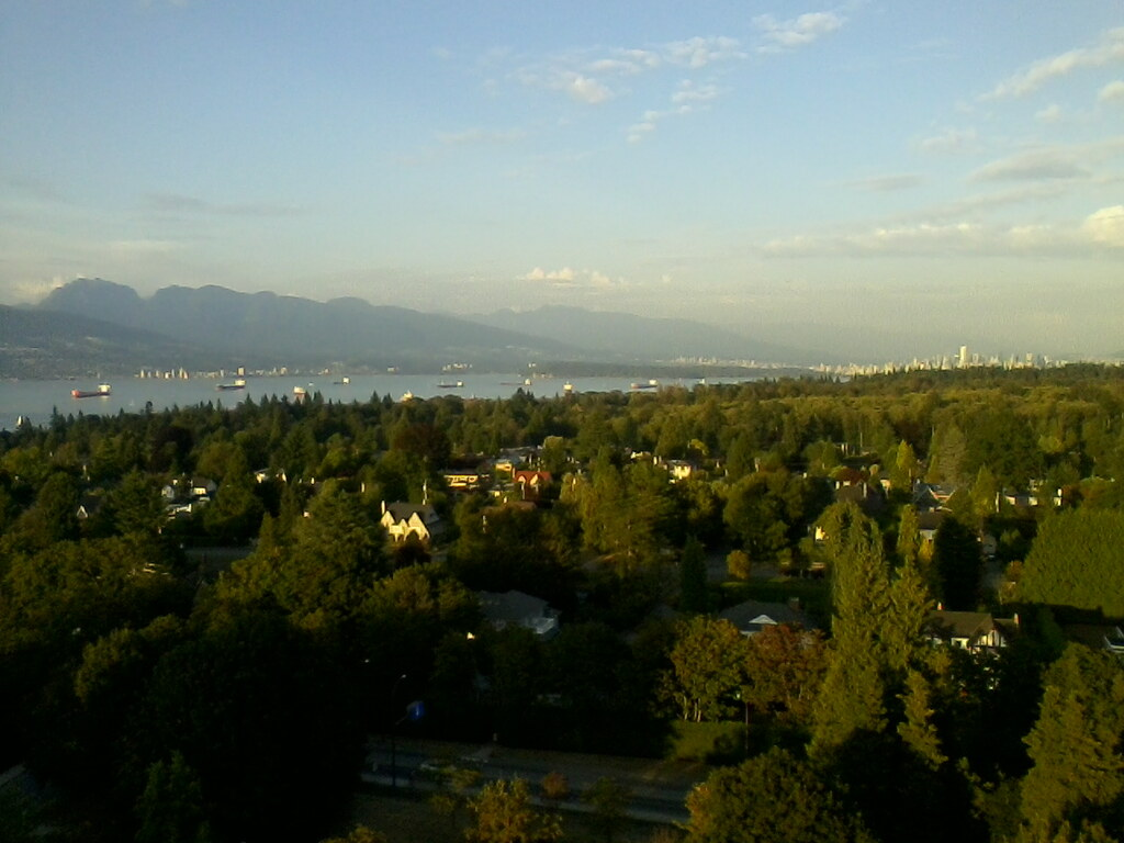 Vancouver from 17th floor, UBC Walter Gage Student Residence, Photo by Tom Worthington, CC-BY, 2014