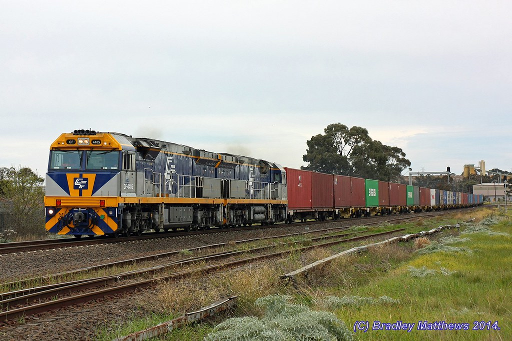 CF4405-CF4406 with 7MC1 Qube freight near Albion Junction (9/8/2014) by Bradley Matthews