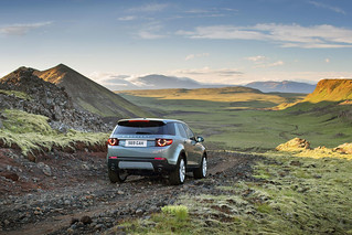 Land-Rover-Discovery-Sport-2014-22