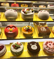 """""""Cakes are healthy too, you just eat a small slice."""" ―Mary Berry 🎂"""