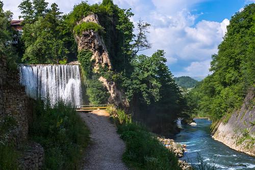 blue sky tree green nature water project landscape 50mm landscapes waterfall nikon europe day skies heart cloudy bosnia waterfalls herzegovina 365 f80 nikkor 50 f8 tress catchy chute deau hercegovina chutes bih jajce bosna d610 bosniaandherzegovina 100a bosnieherzégovine herzegowina 50mm18g