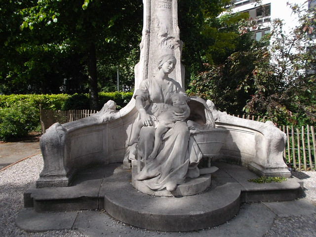 Statue of Le P'tit Quinquin. The composer of this French nursery rhyme came from Lille.