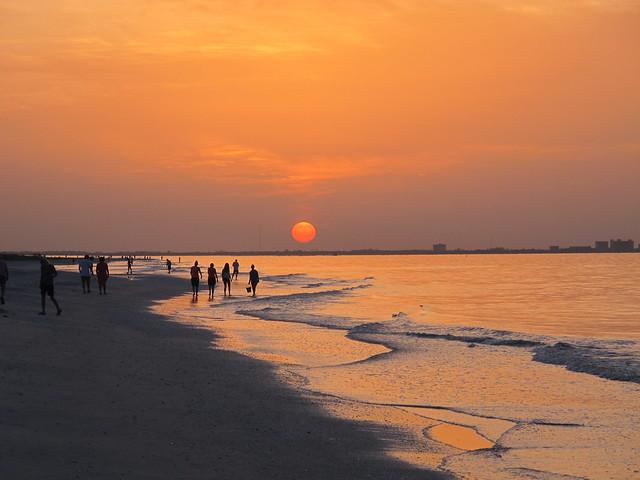 7219_Sanibel Beach Before  7 A.M. Looking East