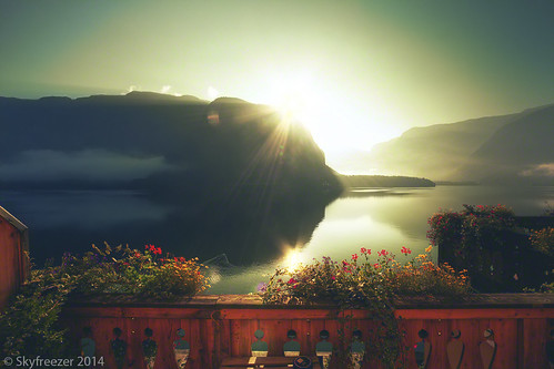 flowers vacation lake mountains alps beautiful sunrise reflections austria amazing holidays europe romantic idyllic balkony morningsun hallstatt hallstättersee grünerbaum hotelgrünerbaum skyfreezer