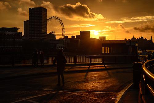 uk sunset england sky orange london thames clouds river unitedkingdom silhouettes himmel wolken londoneye themse blackfriarsbridge