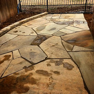 Not all #flagstone has to be mortared. There's an art to using #PolymericSand as well! #WhizQ #WhizQStone #GatorDust #AllianceDP | by Whiz-Q Stone