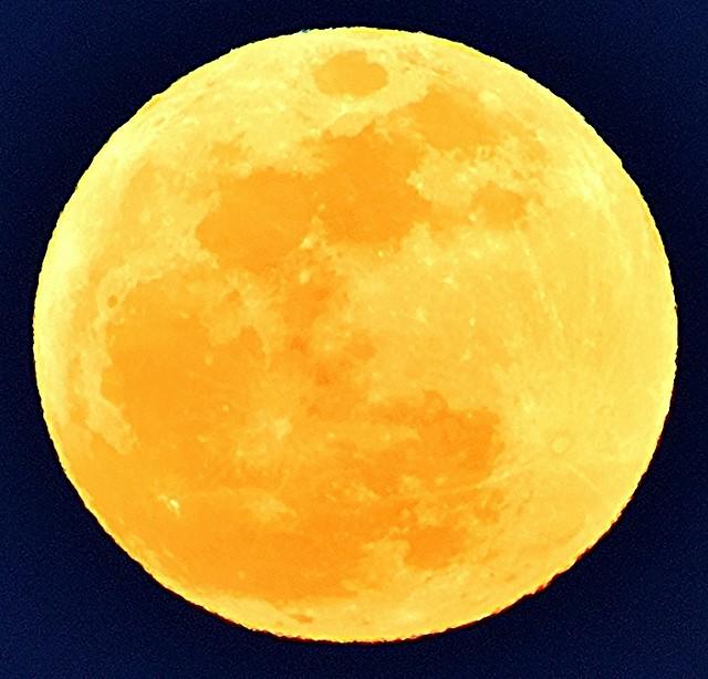 Perigeal Moon Rise 6 Nippon Kogaku 600mm P 5.6 F5.6 at F8 D3 Nikon Nikkor