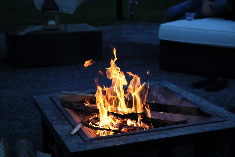 Glamping Firelight is a common characteristic of glamping spaces, helping glampers to reconnect to nature and adding to facility ambience.