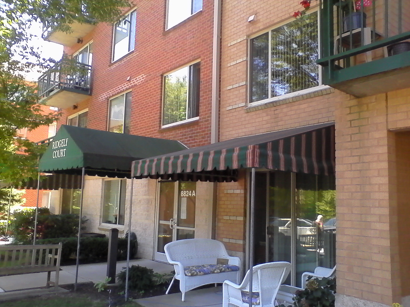 Apartment-Awnings