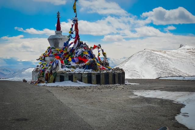 A stop at Taglang la Pass, Ladakh!