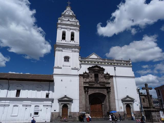 Plaza de Santo Domingo en Quito (Ecuador)