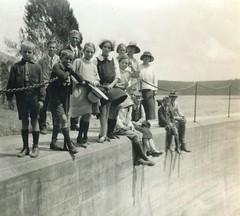 M. Llewelyn W. Bevan at GHS outing Barossa Reservoir c1925