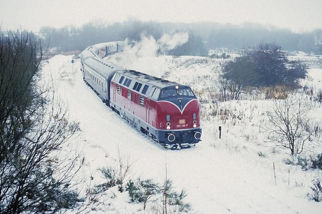 221135-7 with a special train from Düsseldorf to Raeren via the 'Vennbahn' arriving at Wévercé on 30 November 1996