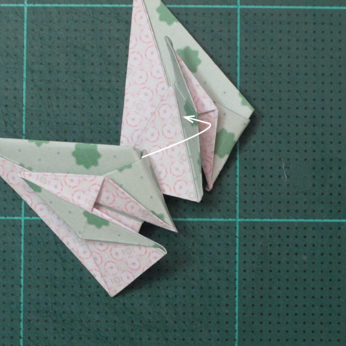 การพับกระดาษเป็นสัญลักษณ์ดาวแปดแฉกคู่ (Double Eight-Pointed Stars Origami) 011