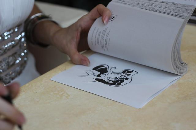 Dédicace d' Elsa Brants mangaka de Save Me Pythie (Kana) à Japan Expo 2014