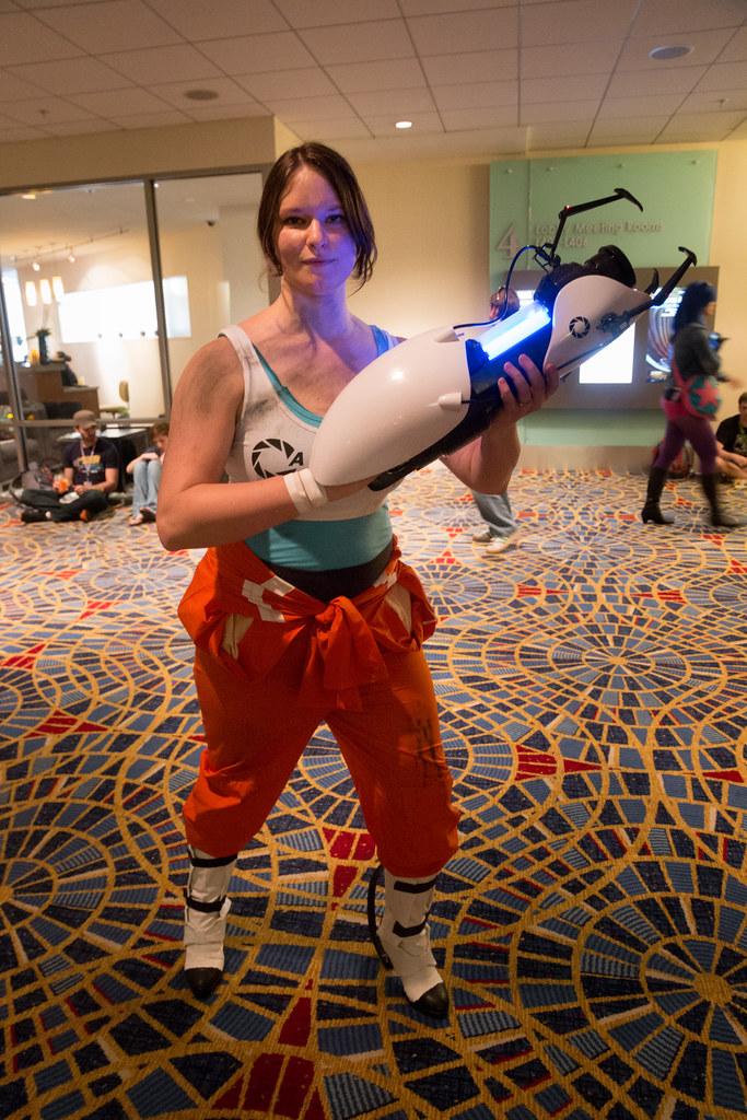 Chell And Her Portal Gun Ethan Trewhitt Flickr