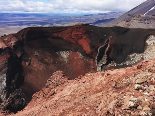 Red Crater - Tongariro Alpine Crossing | by lady3jenn