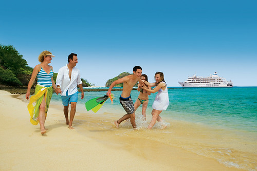 Family Holiday on Reef Endeavour | by Traveloscopy