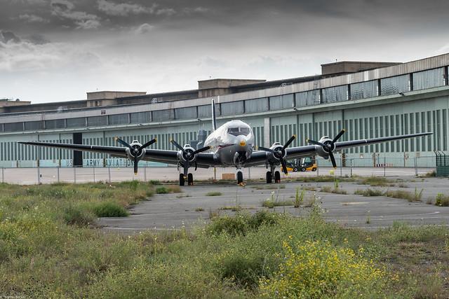 Tempelhof Airport (866458)