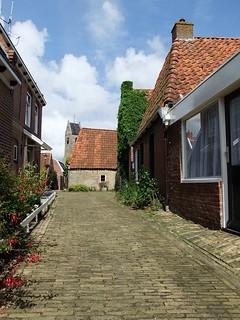 Steegje in Wierum   by waddenzin