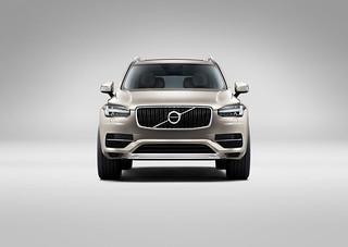 Volvo-XC90-Ext-2014-x-2015-11