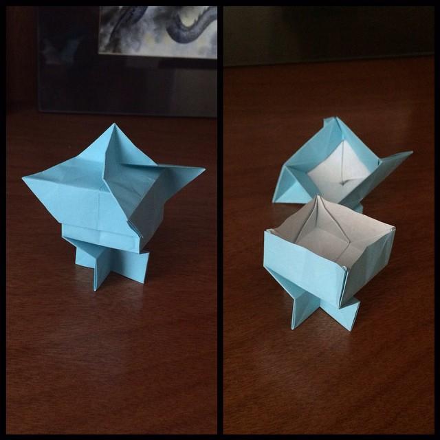 Easy Origami Box : วิธีพับกล่องมีฝาปิด โอริกามิ - YouTube | 640x640