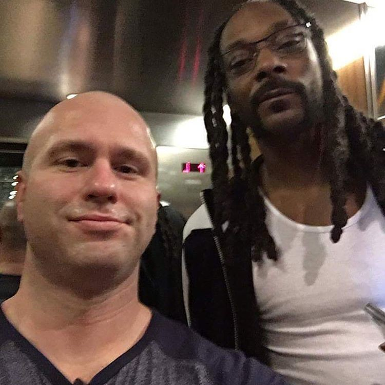 I wanna say happy bday to big snoop (surely taller than me