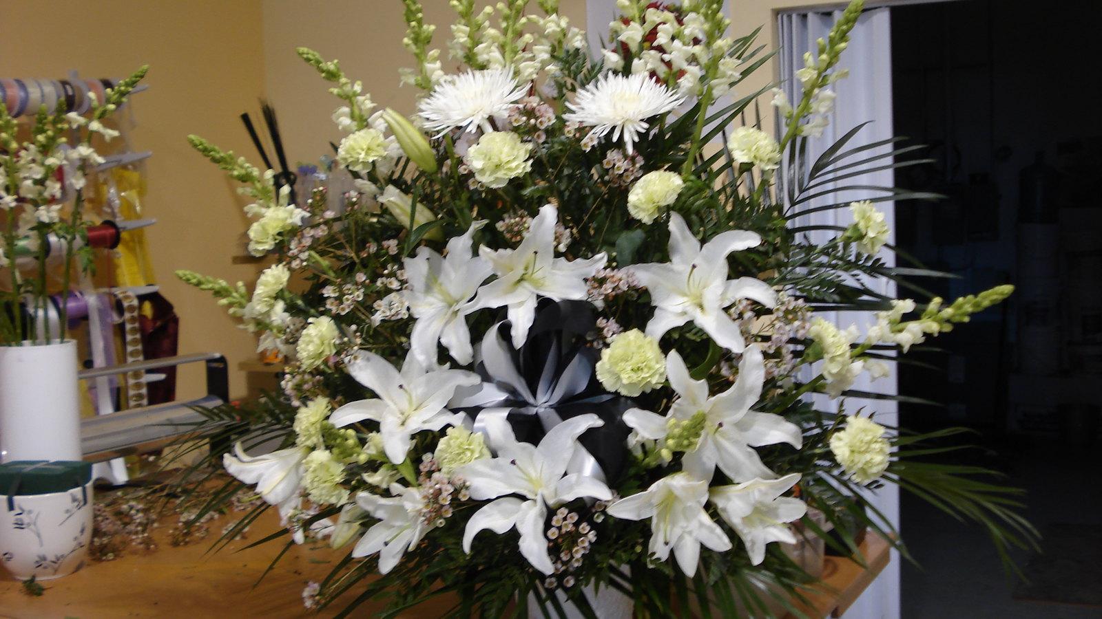 Farah Florist F-FB-17.        $150-180