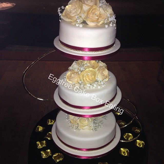 3 Tier Wedding Cake Cakebox Novelty Vegetarian Cakeboxealing Freshcream