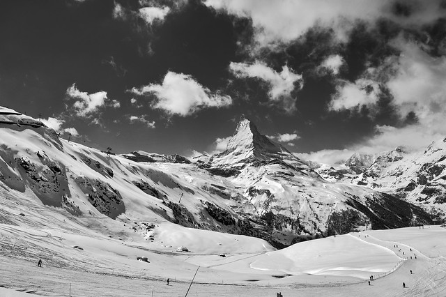 I-wish-you-a-Merry-Christmas ; The Matterhorn , the Symbol of Switzerland. Winter paradise . No. 4158.