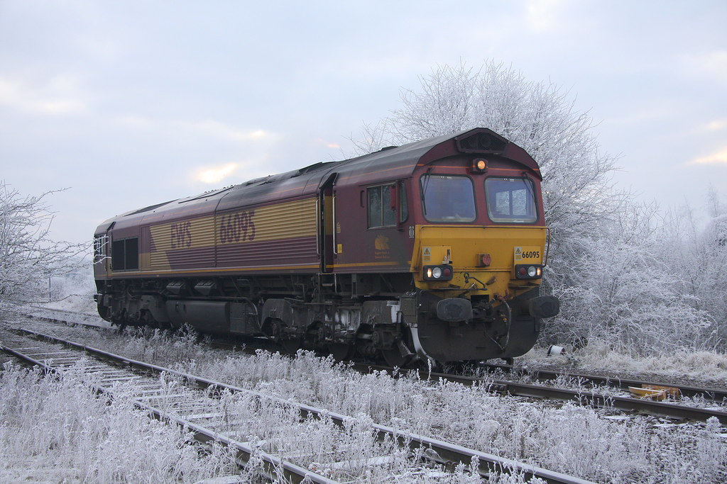 66095 E @ RECTORY OIL TERMINAL will collect the 6E82 1216 RECTORY - LINDSEY tuesday 21st december 2010