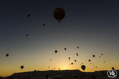 travel sun sunrise canon turkey balloons landscape rocks tokina scenary 7d mm cappadocia goreme turchia 1116 capadokya