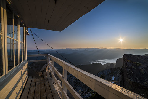 fog clouds sunrise landscape us washington unitedstates hiking trail cascades summit granitefalls firelookout mountpilchuck threefingers 5344ft