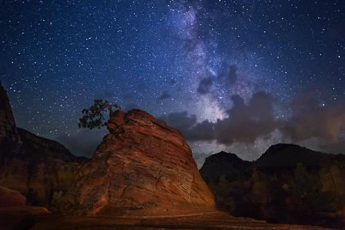 zion utah stars milkyway canon 6d ericgail adventureinfineartphotography