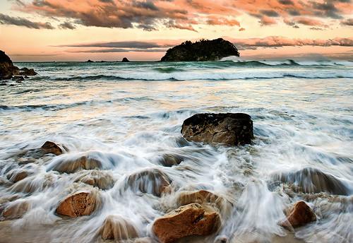 sunset newzealand seascape rocks surf waves spray mtmaunganui tauranga bayofplenty nikond700 bwpolariser bwnd106 marineparadebeach leefilters09sgrad