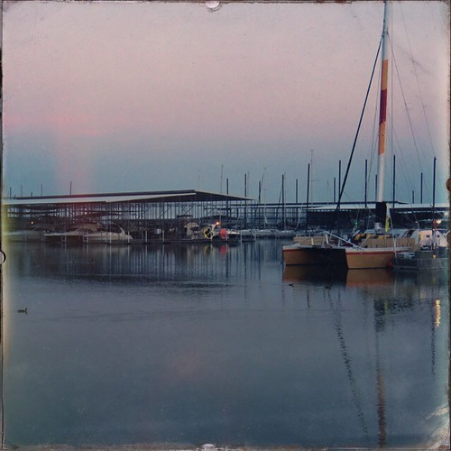 summer usa lake water marina sunrise landscape boats dawn boat us dock texas tx august paisaje amanecer verano 121 dfw denton lewisville thecolony iphone puestadelsol 2014 5s pier121 wonderlens iphoneography hipstamatic oggl shilsholefilm
