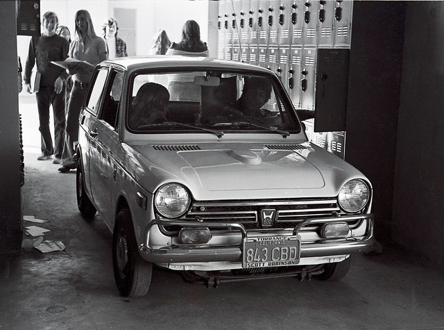 Los Alamitos High School - Honda 600 between the lockers