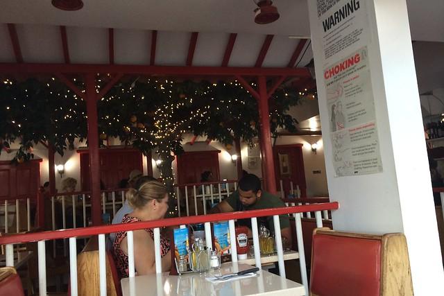 金, 2014-09-12 18:38 - Pollos a la Brassa Mario