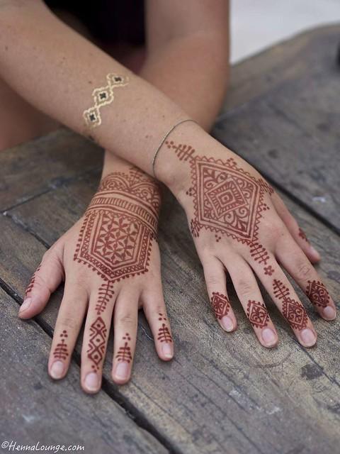 Geometric henna in Mexico by www.hennalounge.com