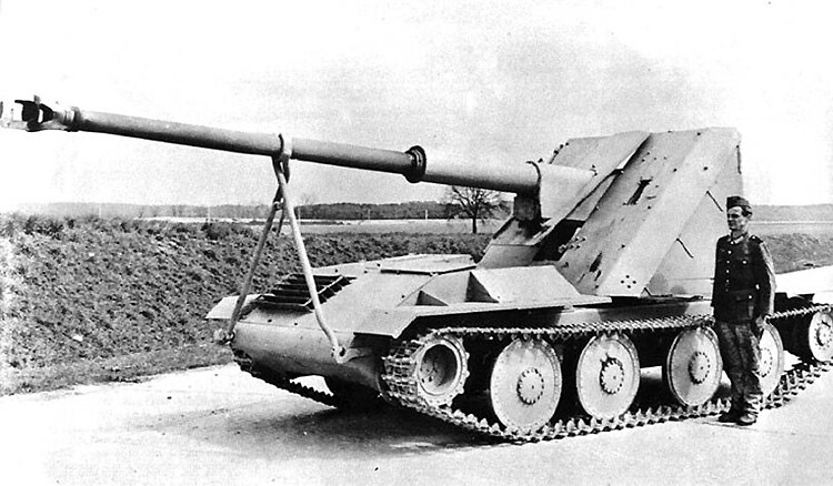 Waffentrager 88mm Pak 43/L 71