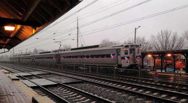 SEPTA train 1520 leaves Wynnewood
