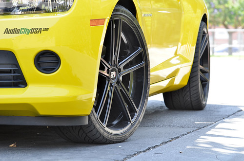 "22"" Koko Kuture (by Giovanna) wheels black on 2014 Chevy Camaro 