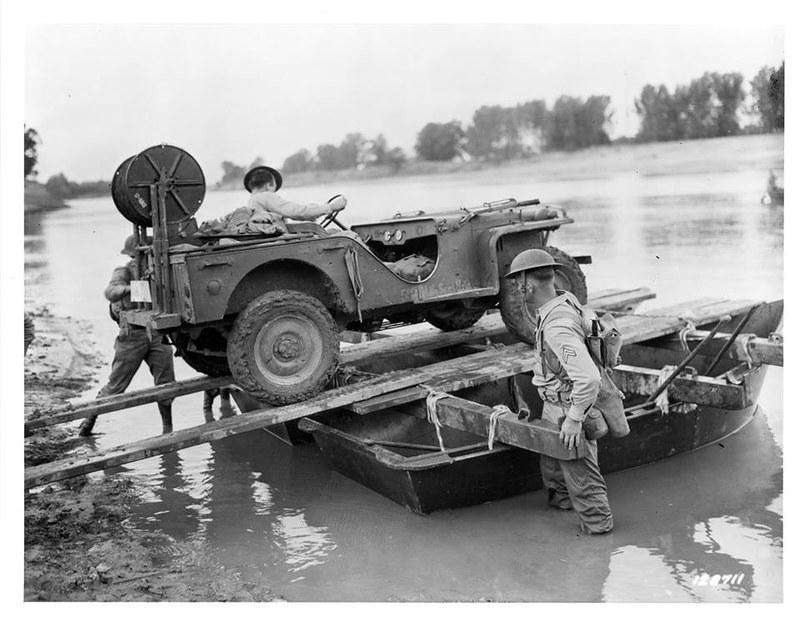 Signal Corps. Bantam BRC