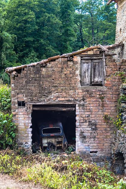Vecchio rudere abbandonato in Calabria..