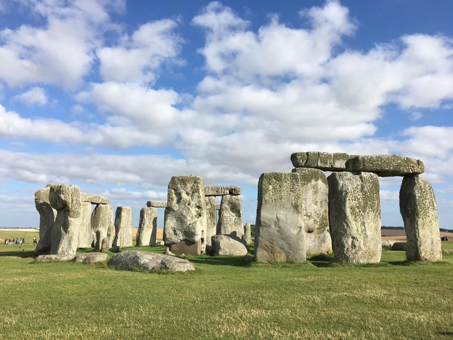Ly, Cindy; England - TWELVE Stonehenge