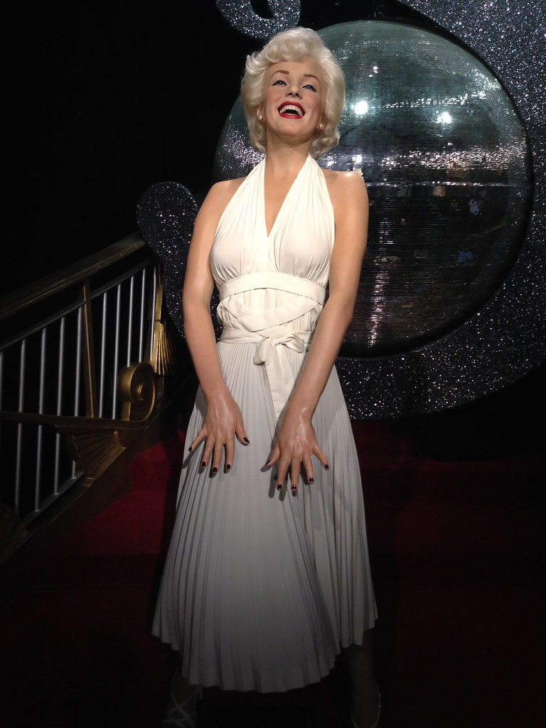 91bb5838dba ... Marilyn Monroe figure at Madame Tussauds London