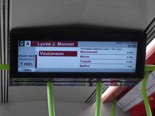 Ecran d'information voyageur  - Tours FIL BLEU | by A - Bobo